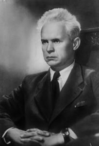 Олександр Довженко (1894—1956). Біографія
